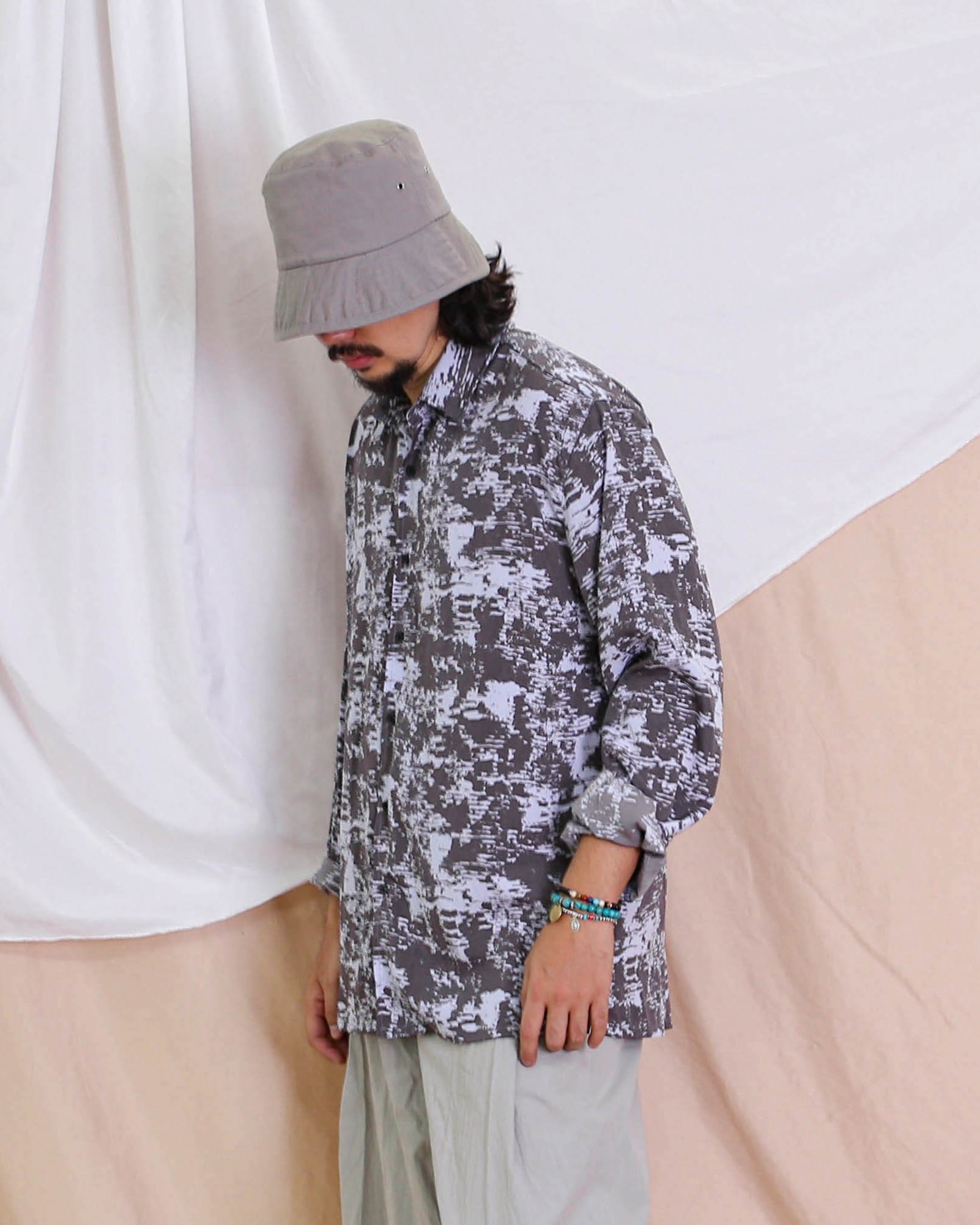 Over Pattern Loose Shirts (Black/Gray)
