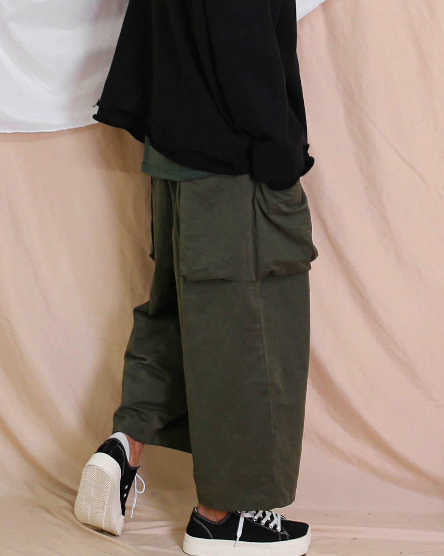 Side Two Pocket Balloon Pants (Black/Khaki)