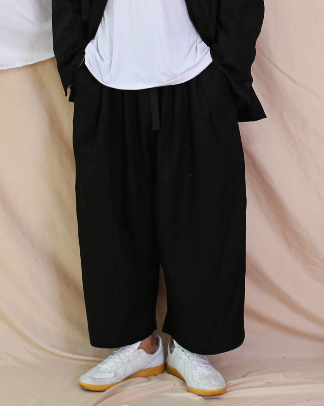 Heavy Cotton Over Balloon Pants (Black/Beige)